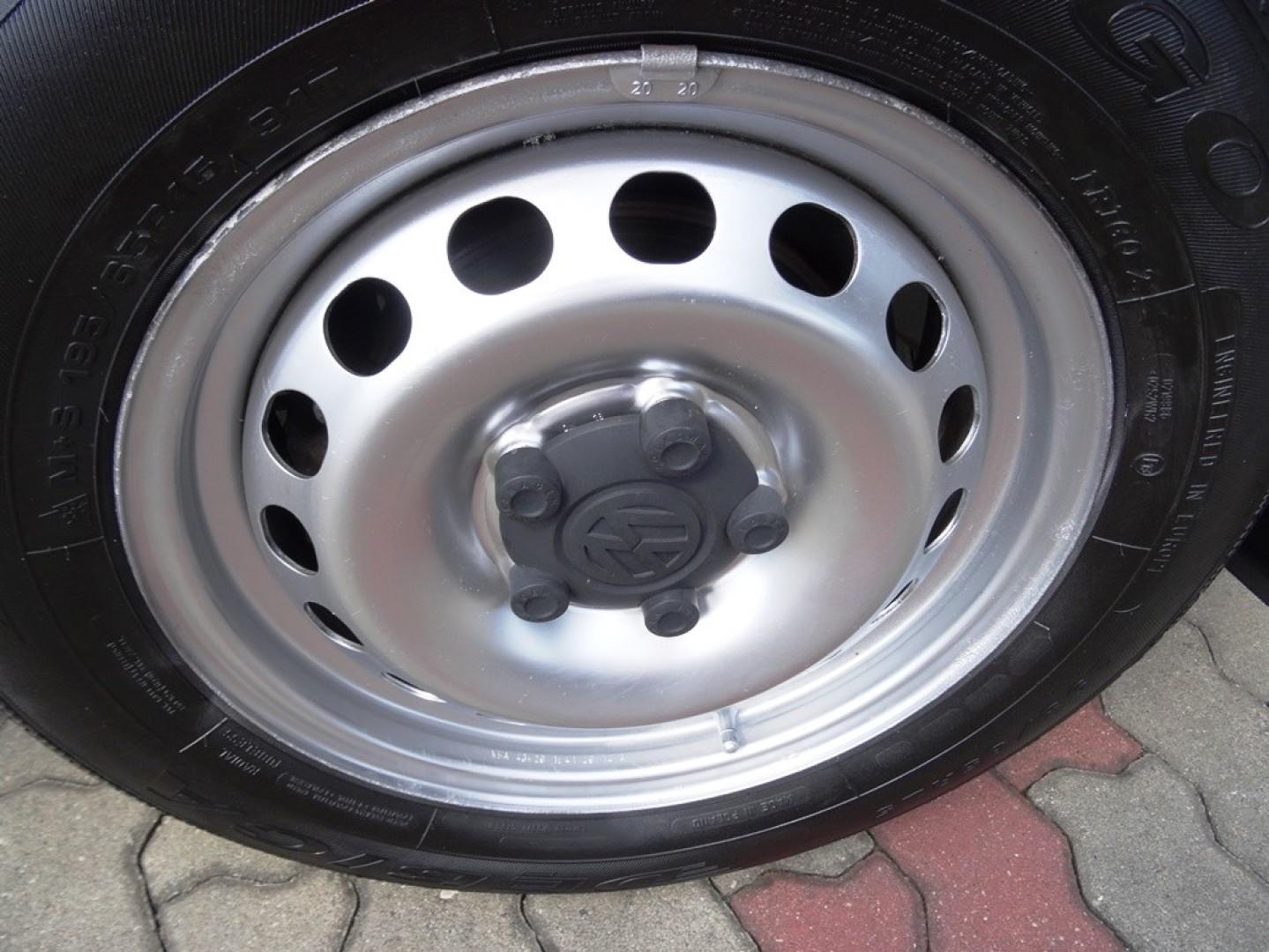 Volkswagen Caddy 2014r. 1600cm3 75KM 140000km olej napędowy (diesel)