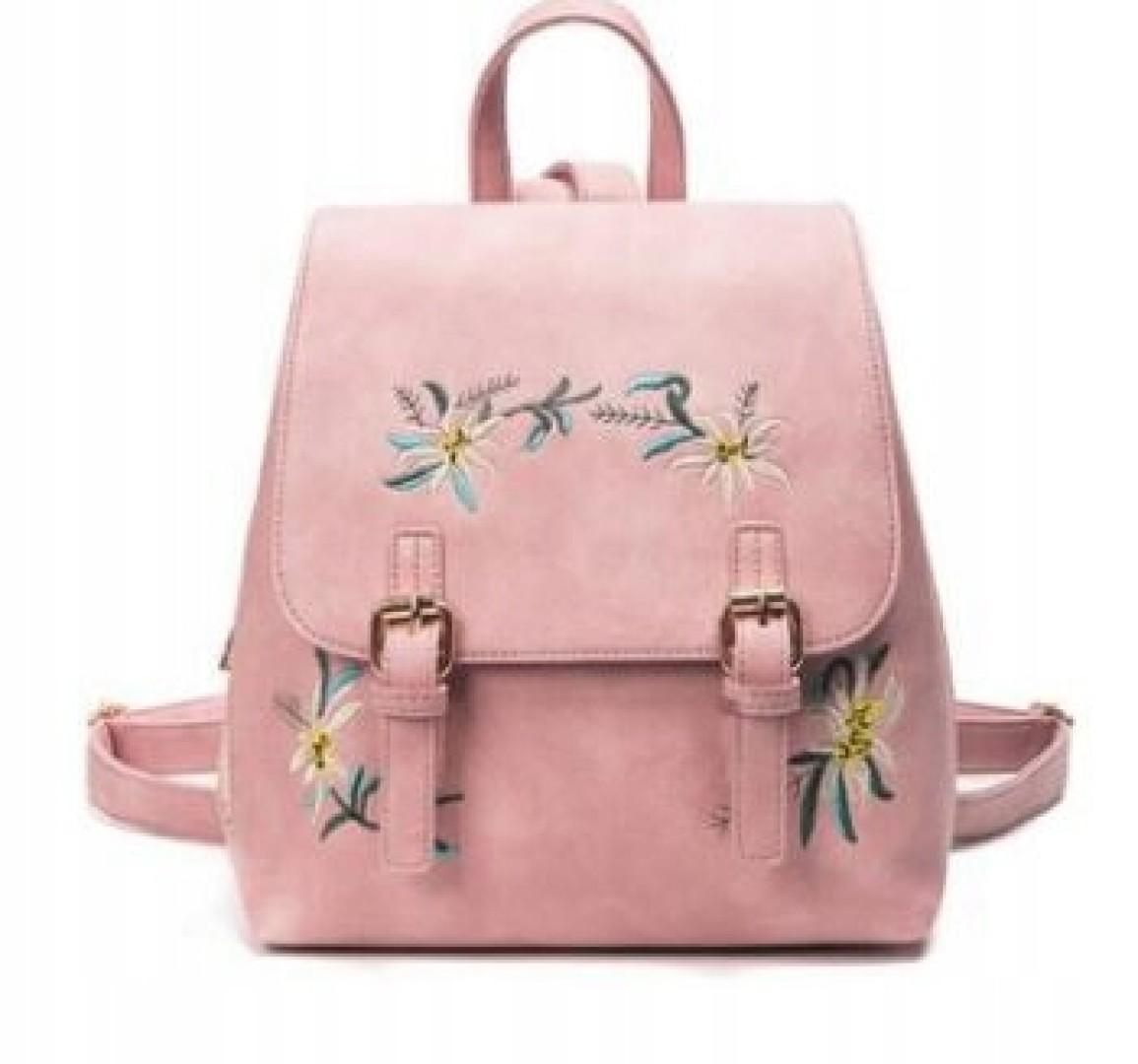 Damski plecak kuferek w kwiaty vintage boho beżowy