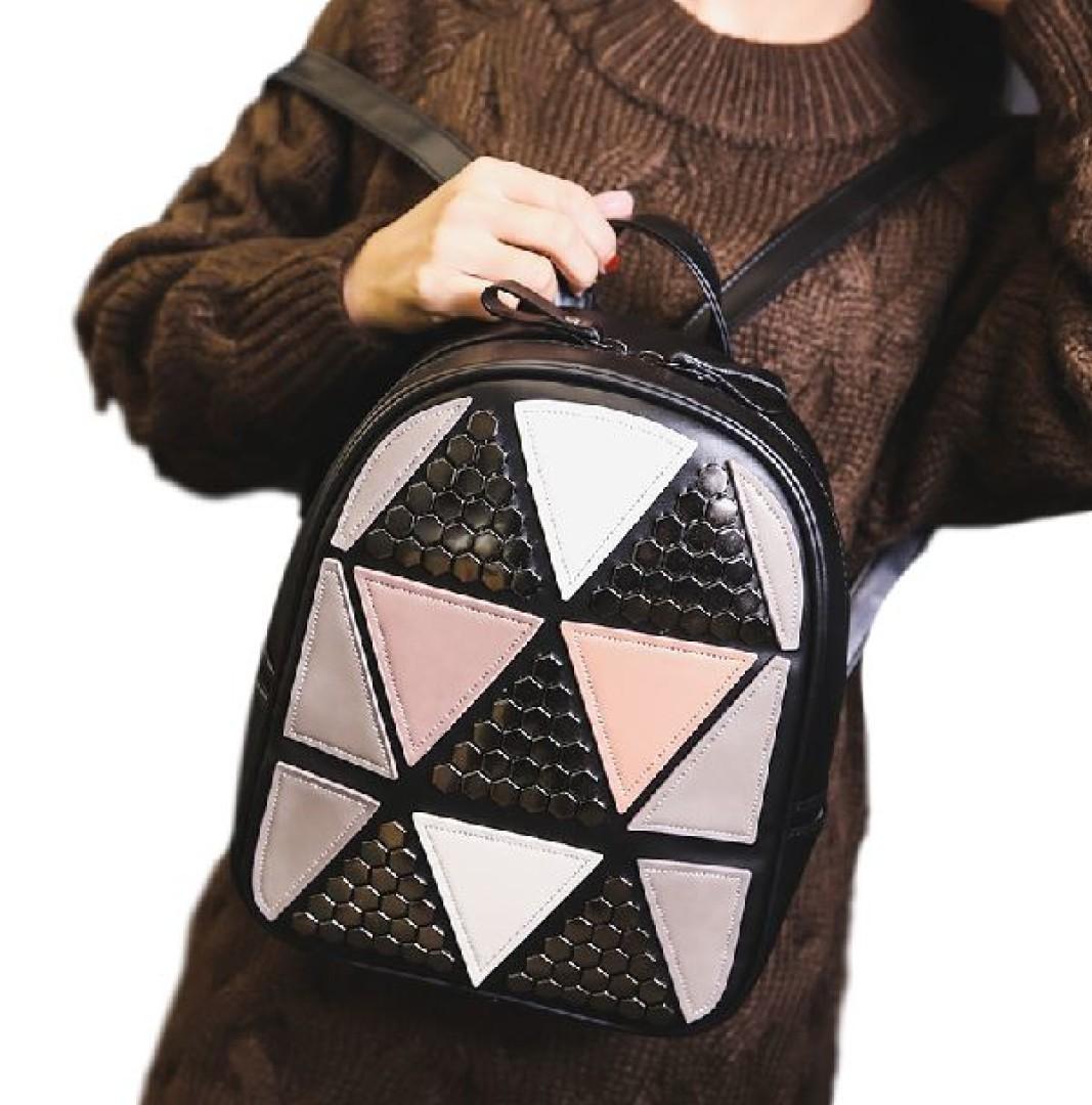 Elegancki plecak damski z ekoskóry w trójkąty