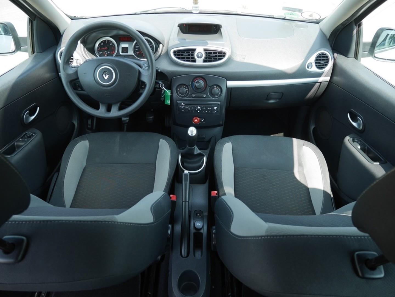Renault Clio 2011r. 1500cm3 75KM 190000km olej napędowy (diesel)