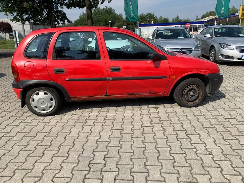 Opel Corsa 1998r. 1400cm3 60KM 136000km benzyna