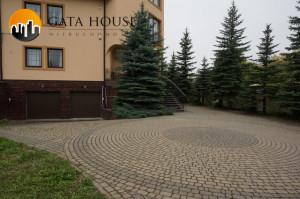 Duży dom z ogródkiem na biuro, siedzibę firmy itp.