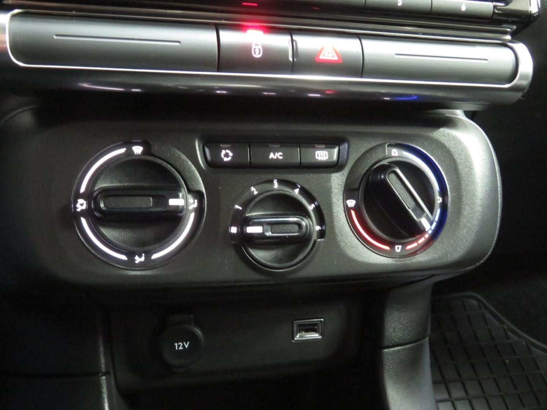 Citroen C3 1.2 PureTech 2019r. 1199cm3 83KM Benzyna