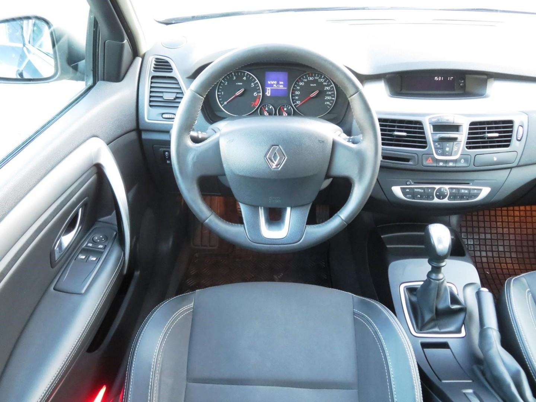 Renault Laguna 2.0 16V IDE  2011r. 1998cm3 140KM Benzyna